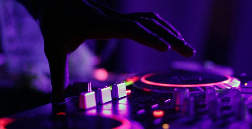 El-mejor-controlador-para-DJS