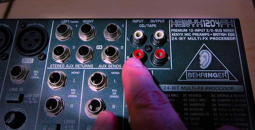 Mesa-de-mezclas-de-audio