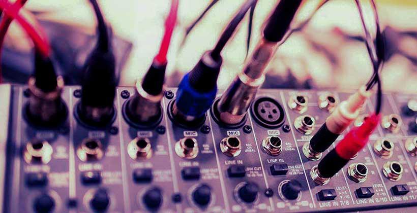 Para-qué-sirve-una-mezcladora-de-audio