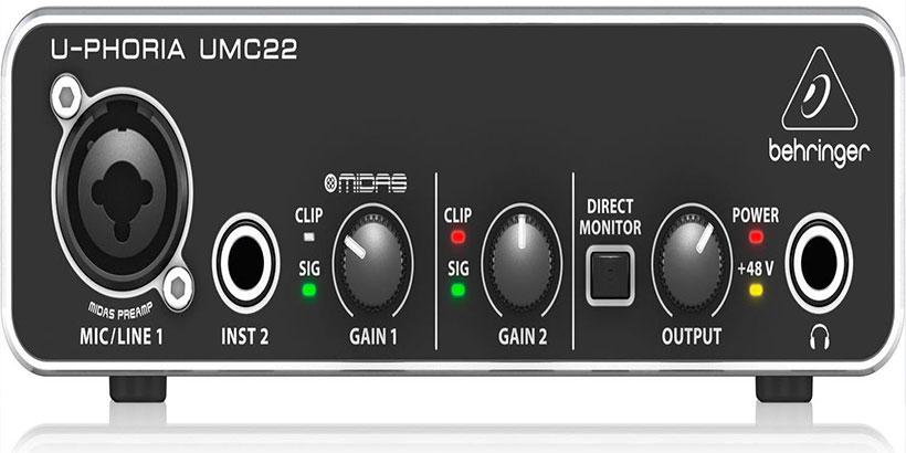 <H3> Behringer UMC-22 U-Phoria Interfaz de Audio USB /<H3> Por último, destacamos como una de las mejores interfaces de audio, la Behringer UMC-22 U-Phoria perfecta tener una experiencia de grabación perfecta. Cuenta con una potencia disponible phantom de +48V, y se puede utilizar a nivel profesional para micrófonos de condensador de estudio para crear pistas de circulación. Tiene una conexión por USB y es resistente a los golpes por su chasis de metal.