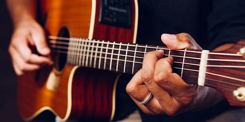 mejores-marcas-guitarra-acústica